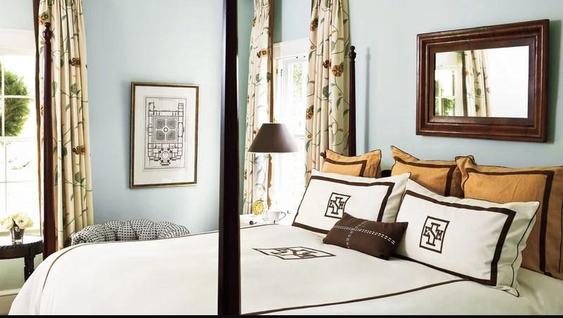 Шоколадно-голубая спальня