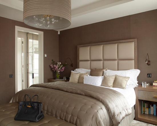 модная коричневая спальня
