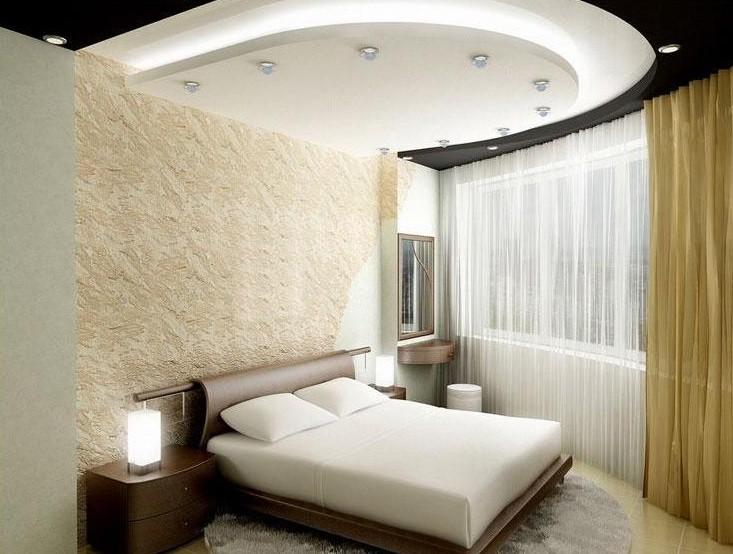 Отделка потолка для маленькой спальни