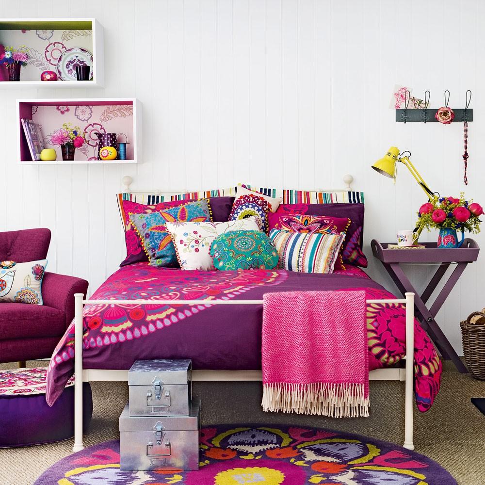 Фиолетовый дизайн спальни для девочки-подростка