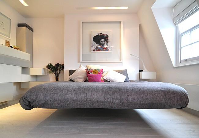 Особенности освещения для спальни хай-тек