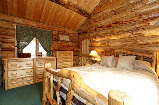 Классическая деревенская спальня