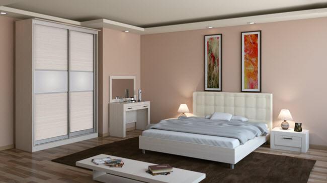 Шкаф-купе белого цвета в спальне