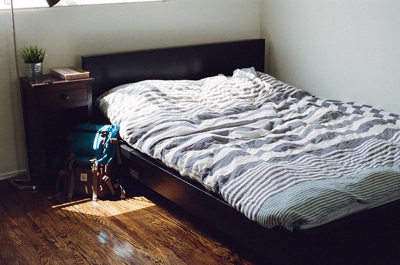 сделать дизайн узкой комнаты