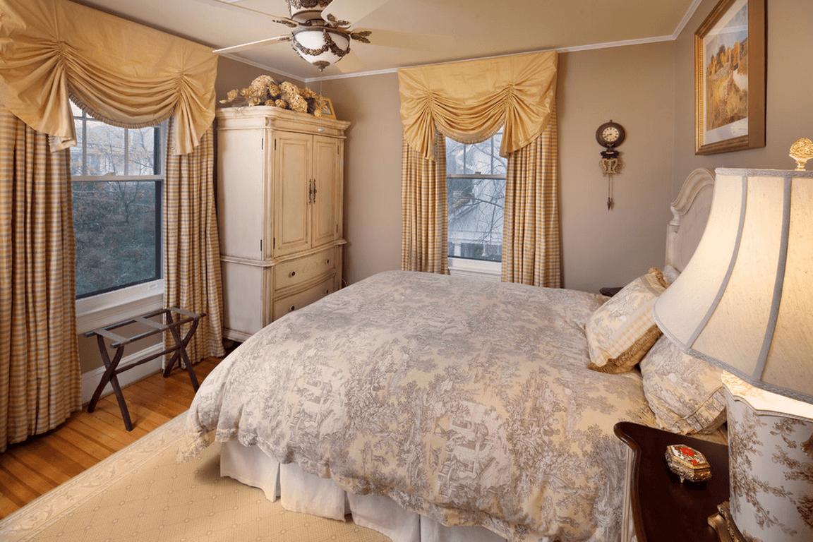 композиционные черты небольшой комнатки
