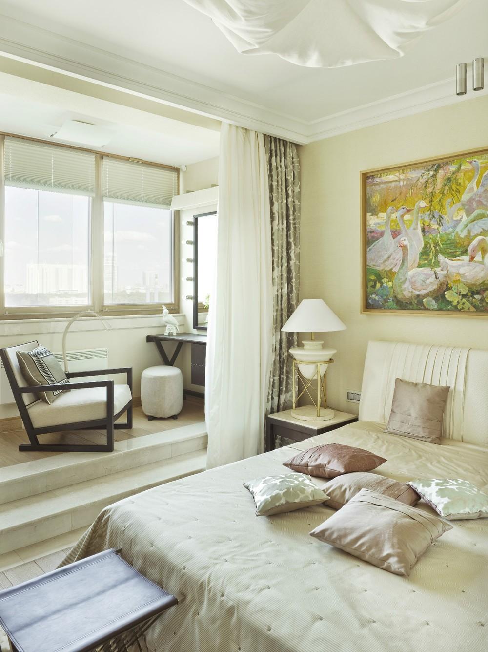 преимущества объединенной спальни с балконом