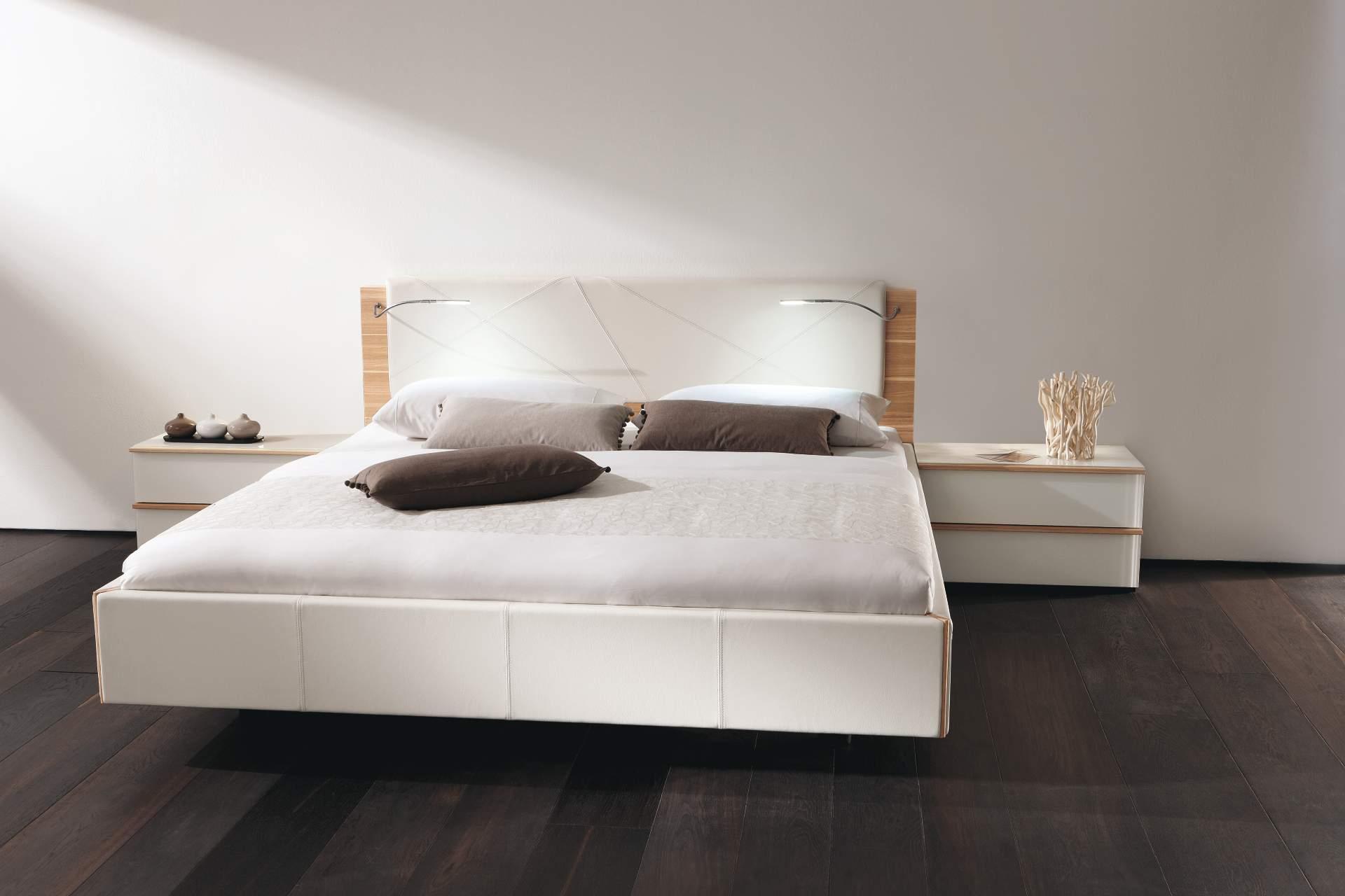 светильники для спальни современные