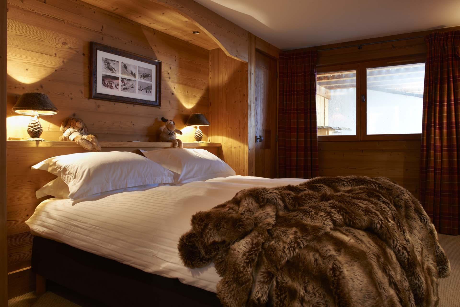 дизайн спальни в стиле шале фото