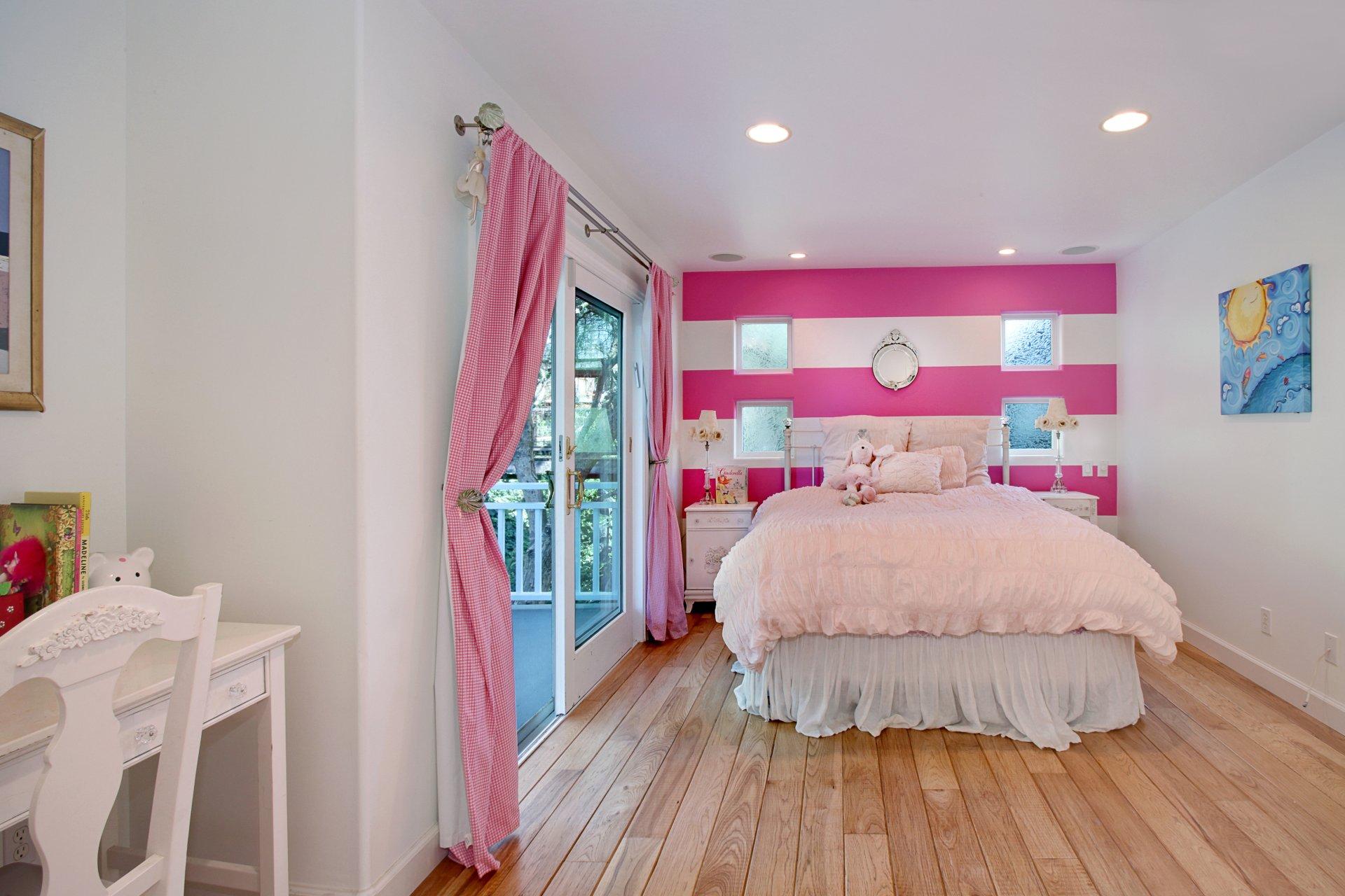 настольные светильники для спальни минск