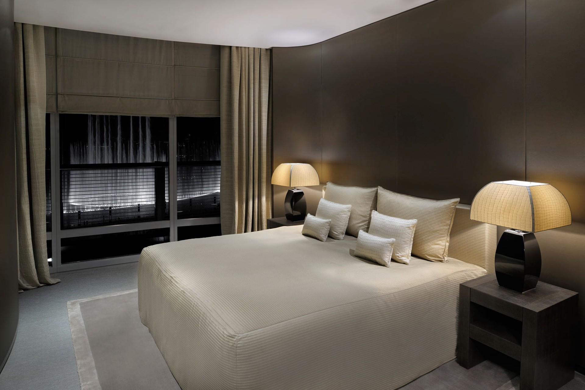 прикроватные светильники для спальни на изголовье кровати